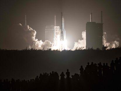 La sonda espacial china Chang'e-5 fue lanzada el pasado 24 de noviembre desde el Centro Espacial Wenchang, en la isla de Hainan.