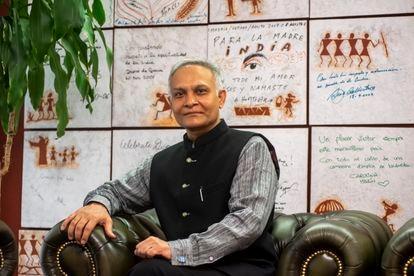 Entrevista a Sanjay Verma, embajador de la India en España, en la sede de la embajada en la avenida de Pío XII.