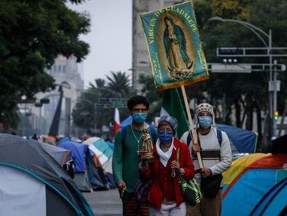 Plantón del Frente Nacional Anti Andrés Manuel López Obrador (FRENA) en avenida Juárez y Paseo de la Reforma en septiembre 2020.