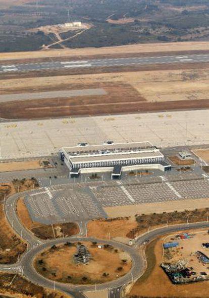 El aeropuerto de Castellón fotografiado el 13 de enero de 2012, vacío casi diez meses después de su inauguración.