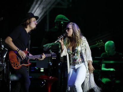 La cantante estadounidense Anastacia, durante el concierto que ha ofrecido en las 'Noches del Botánico' de Madrid.