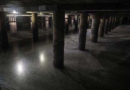 Estancias del tanque de tormentas de Arroyofresno, el mayor del mundo por su capacidad, comparable a ocho estadios Bernabéu.