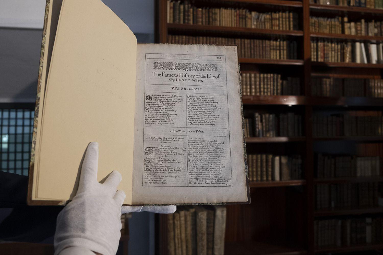 El ejemplar de la obra separada de Shakespeare 'The Famous History of the Life of King Henry the Eighth', publicada en 1632, en Colegio Internacional de Sevilla San Francisco de Paula.