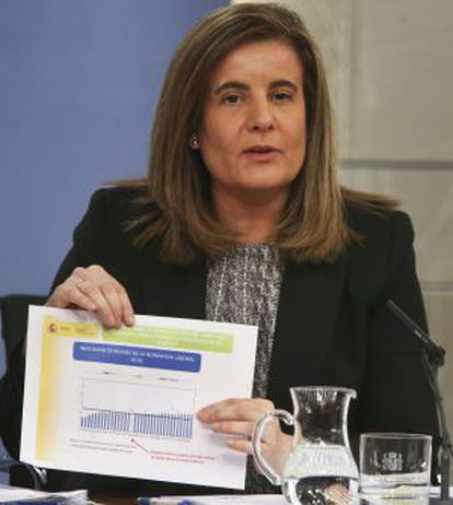 La ministra Fátima Báñez, durante la conferencia de prensa.