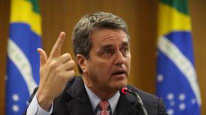 El director general designado de la OMC, el brasileño Roberto Azevêdo, ofrece una rueda de prensa este viernes 17 de mayo de 2013, en Brasilia (Brasil).