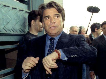 Bernard Tapie, a su llegada al tribunal en uno de sus juicios, en París en 1996.