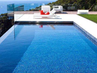 Una piscina de Fluidra de su catálogo promocional