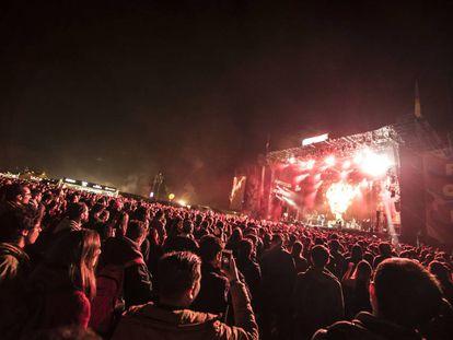 El escenario principal del festival a rebosar.