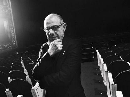 Lluís Pasqual, en el Teatro Español de Madrid en un descanso de los ensayos de 'El sueño de la vida', obra de García Lorca adaptada por Alberto Conejero.