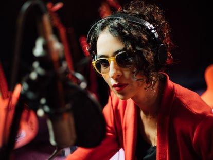 La cantante Marisa Monte, en una imagen promocional de su nuevo disco, 'Portas'.