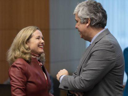La vicepresidenta económica Nadia Calviño y el presidente del Eurogrupo, Mário Centeno.