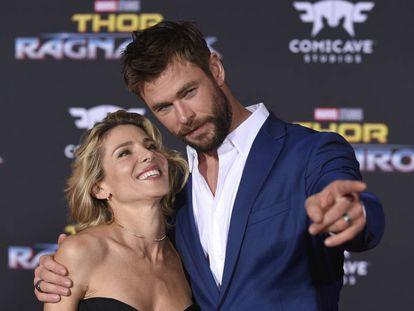 Los actores Chris Hemsworth y Elsa Pataky en un estreno en Los Ángeles (California) en noviembre de 2017.