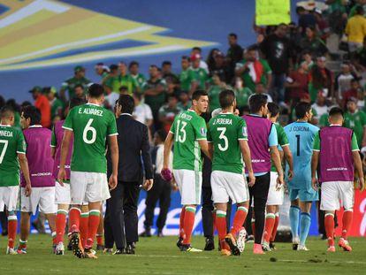 La salida de los mexicanos tras su eliminación en la Copa Oro