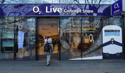 Una tienda de telefonía móvil O2 en Berlín, Alemania.