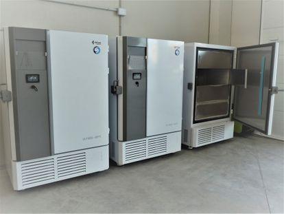 Los cuatro ultracongeladores adquiridos por Cantabria para conservar en óptimo estado las vacunas contra la Covid-19.