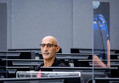 Salih Mustafá, excomandante del Ejército de Liberación de Kosovo, este miércoles en La Haya.