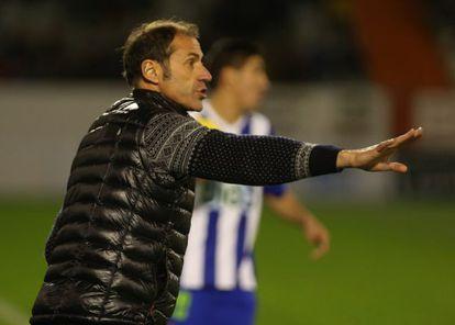 Alberto López, entrenador del Deportivo Alavés.