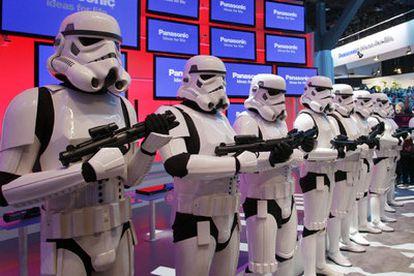 Personajes de <i>La guerra de las Galaxias, en la feria de Las Vegas.</i>