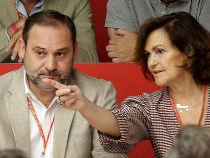 José Luis Ábalos y Carmen Calvo, en el Comité Federal del PSOE en 2019.