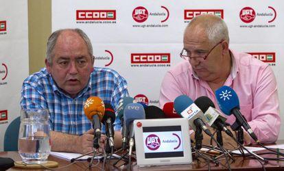Manuel Pastrana y Francisco Carbonero, ayer en la sede de UGT en Sevilla