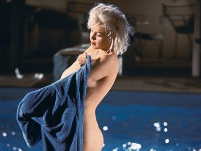Marilyn Monroe fotografiada por Lawrence Schiller poco antes de su muerte en el rodaje de la película inacabada 'Something's got to give'.