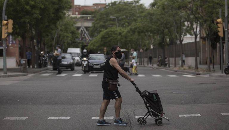Cruce entre la calle Constitució y Riera Blanca, el límite entre Barcelona y L'Hospitalet de Llobregat.