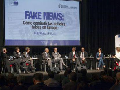 Representantes de la alianza de periódicos LENA y eurodiputados debaten en Madrid sobre cómo combatir las noticias falsas en el foro Fake News