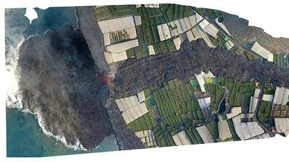 30/09/21 Imagen aérea de dron compuesta de fotografías que muestran la lengua de lava del volcán, y el terreno ganado al mar, en La Palma. La foto se ha realizado a las 10:00 hora insular. FOTO: Cabildo Insular de La Palma