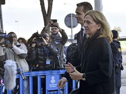 Urdangarin y la infanta Cristina a su llegada a los juzgados de Palma.