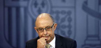 El ministro de Hacienda, Cristóbal Montoro, en la rueda de prensa posterior al Consejo de Ministros del viernes.