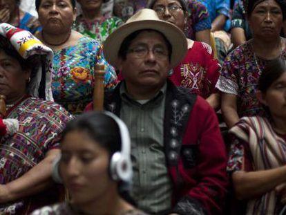 Ixiles esperan el dictamen en el proceso contra Ríos Montt.