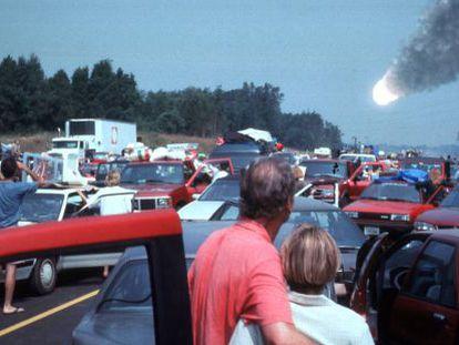 Fotograma de la película 'Deep impact' en la que un cometa amenaza con destruir la Tierra.