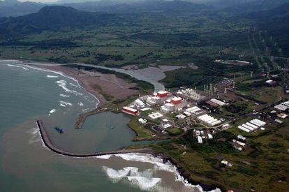 La central nuclear Laguna Verde, al norte del Estado de Veracruz, en octubre de 2005, cuando el afluente del rio Tecolutla se desbordó.