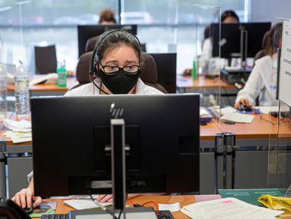 Vista de los trabajadores del grupo multidisciplinar de rastreadores.