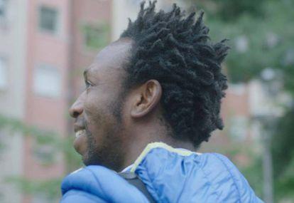 Ousman llegó a Barcelona siendo menor de edad y desde allí trabaja para dar formación a menores en Ghana.