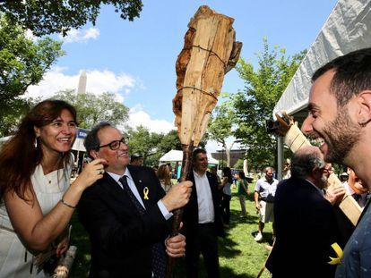 La consejera de Cultura, Laura Borràs, y el presidente de la Generalitat, Quim Torra, en Washington el pasado jueves.