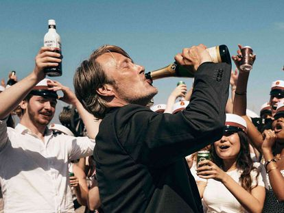El danés Mads Mikkelsen, en 'Druk', película con cuatro candidaturas a los premios del cine europeo.