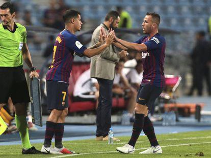Coutinho sustituye a Arthur en la Supercopa de España.