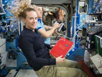 Imagen de archivo de astronautas en una misión.