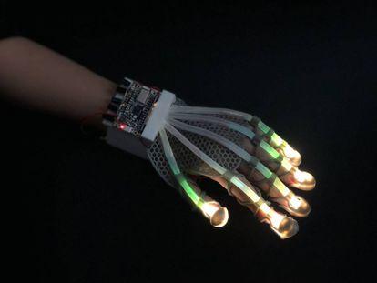 Una piel digital que reproduce el sentido del tacto