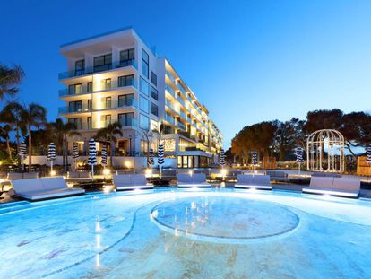 Piscina del Hotel BLESS Ibiza, en una imagen facilitada por Azora.