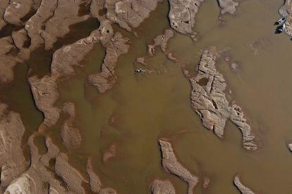 Uno de los brazos principales del río Paraná, totalmente seco. Estamos ante la peor bajante de los últimos 77 años. Según indica el INTA (Instituto Nacional del Agua), la situación se agravará en los próximos meses.