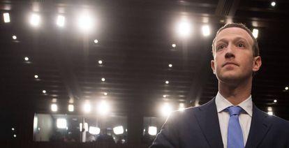 Mark Zuckerberg este martes en el Senado de EE UU, donde contestó a los legisladores sobre el escándalo de Cambridge Analytica.