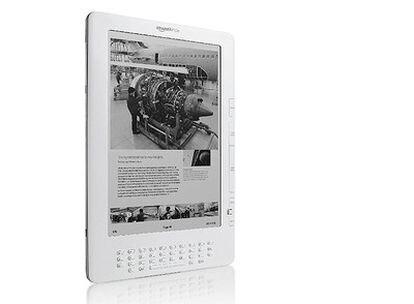 La tercera versión del libro electrónico de Amazon llega con acuerdos con editoras de prensa y editoriales de manuales.