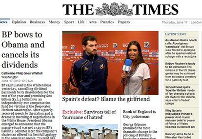 Iker Casillas y Sara Carbonero aparecen en la portada de la edición digital de <i>The Times</i> el 17 de junio de 2010