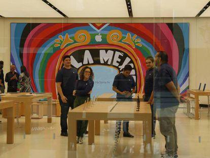 Inauguración de la Apple Store en México.