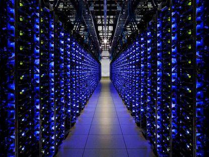 Los sistemas que controlan los centros de datos de Google ya usan el aprendizaje por refuerzo para mantenerlos en las condiciones más óptimas. Imagen cedida por Google.