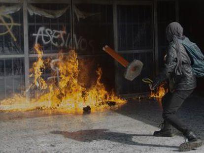 Los disturbios en el campus central se producen menos de una semana después de que Enrique Graue fuera reelecto al frente de la universidad más grande de Latinoamérica