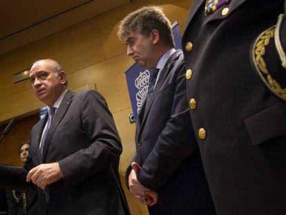 El ministro Jorge Fernández Díaz e Ignacio Cosidó.