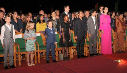 Angelina Jolie, con sus seis hijos.